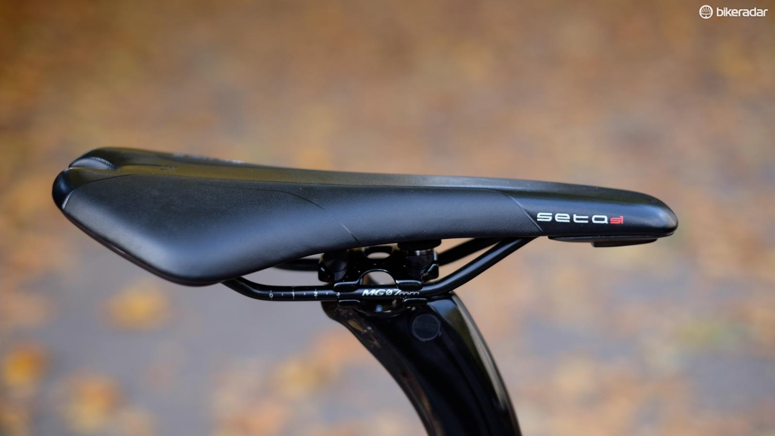 Selle Royal's Seta saddle is Arione long and well shaped and padded