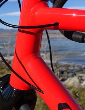 The internal cable routing on the Allez looks great and keeps the lines of the aluminum frame free from clutter
