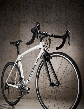 The Allez is a good looking thing with harmonious lines and minimal frippery
