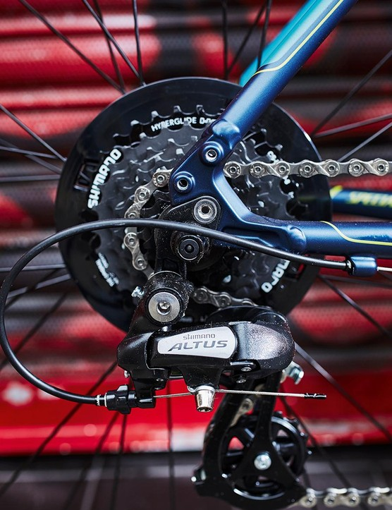 Shimano Altus 8-speed on the rear