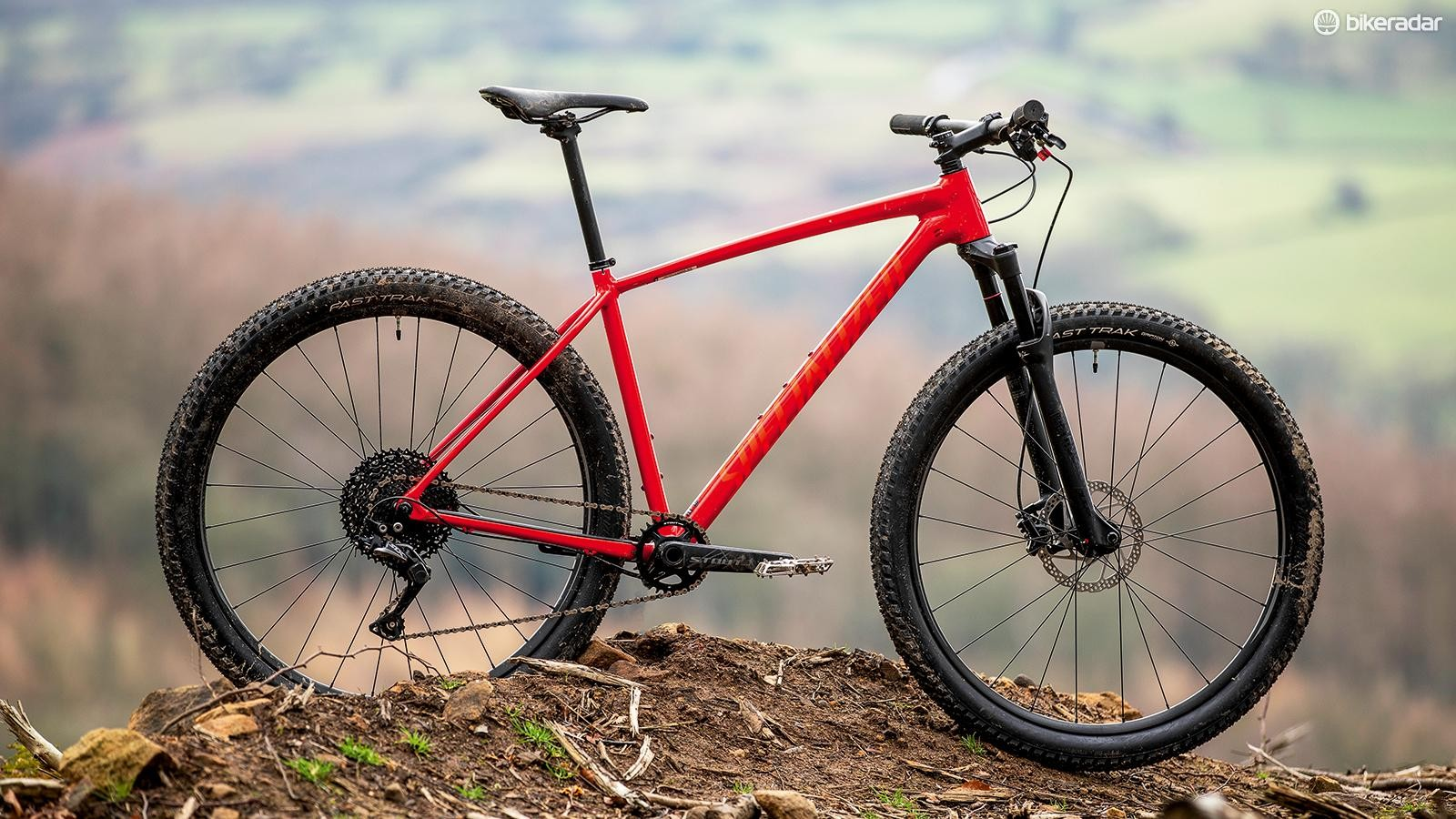 Most alloy bikes use oversized tubing, but the Chisel has similar dimensions to those on steel bikes