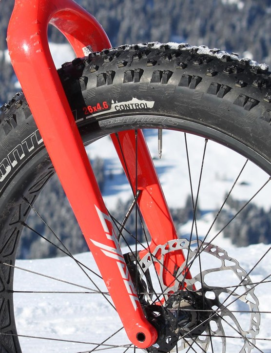 The rigid fork keeps the 70.5-degree head angle from steepening further on descents