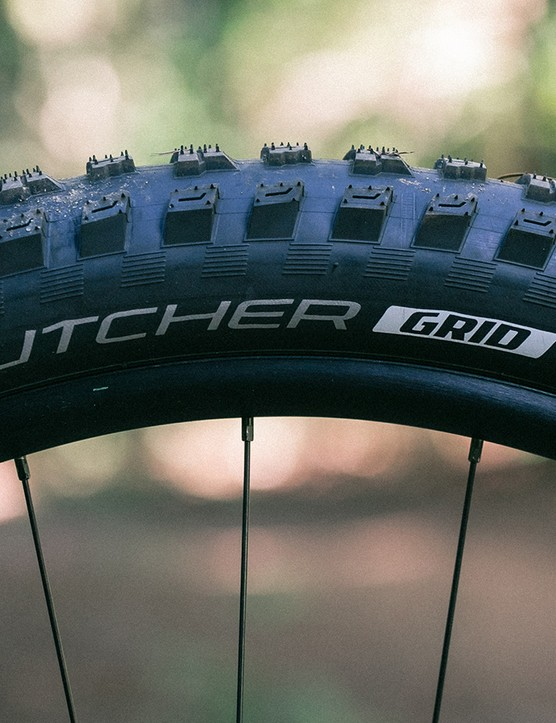 Massive, 2.8in Butcher tyres with the tough GRID casing help to keep you stuck to the trail though still suffer from some squirm when pushed hard through well-supported turns