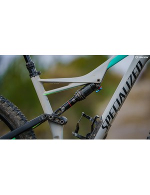 The Specialized is based around a carbon frame with an alloy rear triangle