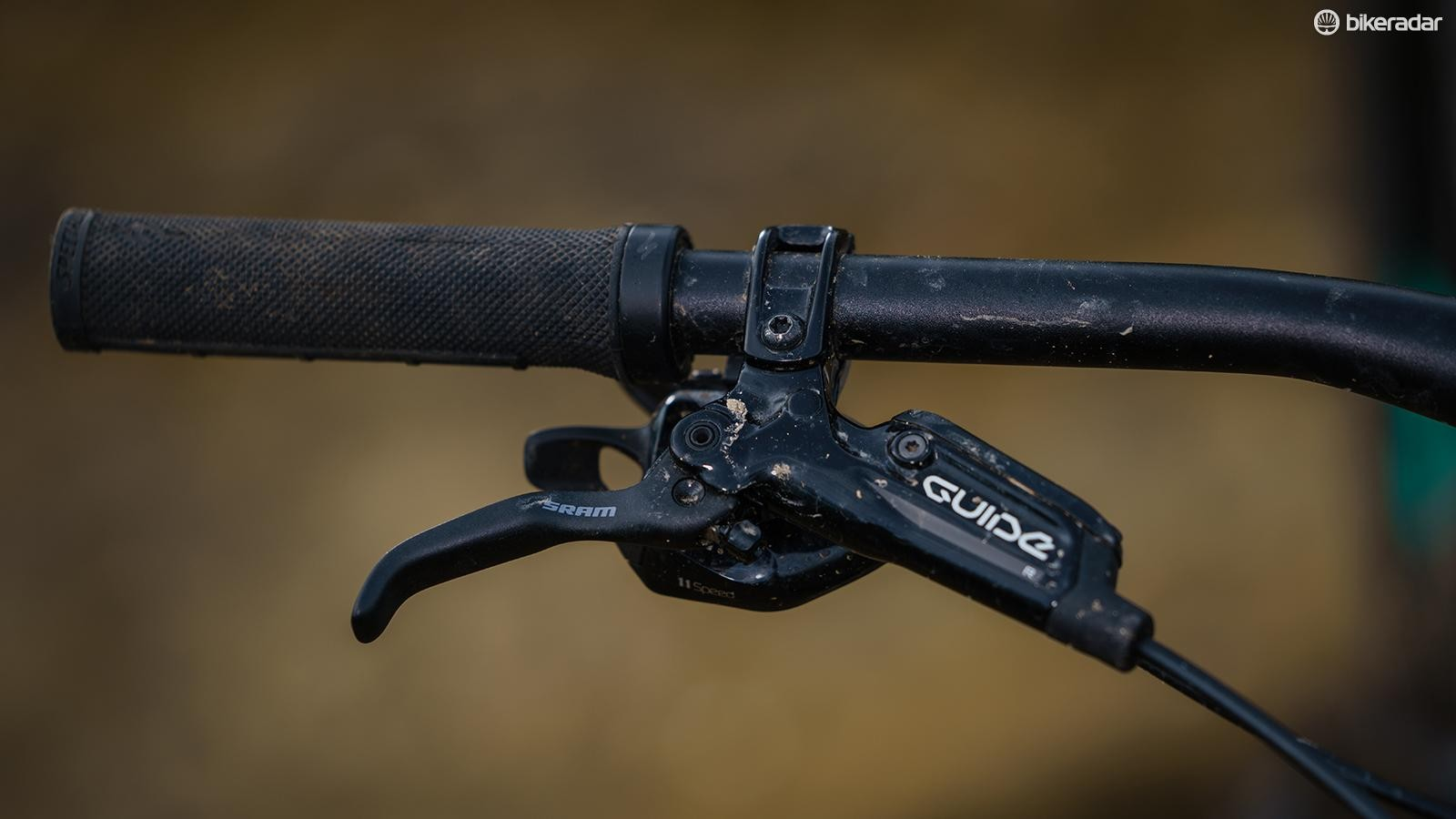 SRAM Guide R brakes are a good quality set for a bike with an aggressive trail purpose