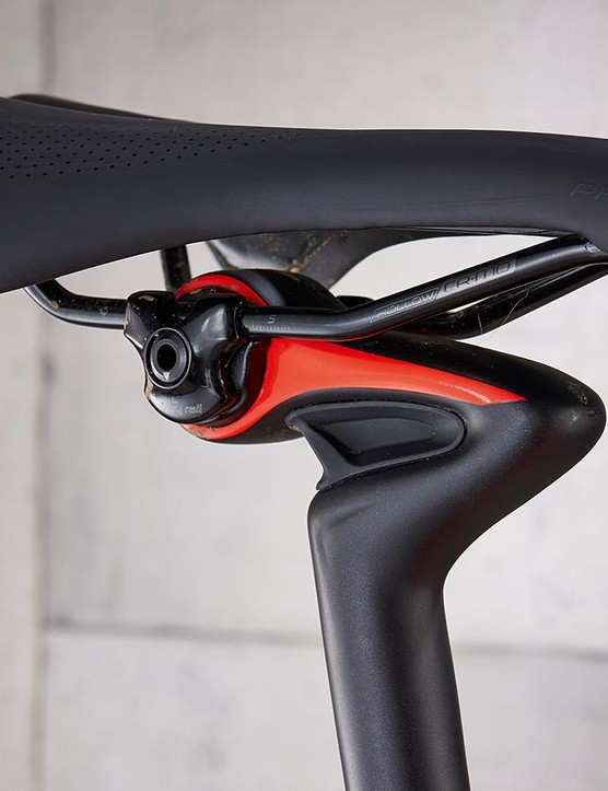 Added elastomer in the seatpost allows it to flex for greater comfort