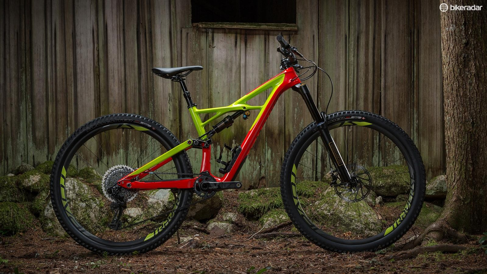 The new Enduro may look similar to its predecessor, but it's had a whole host of tweaks, including new internal cable routing, Boost axle spacing and a bump up in travel to 165mm at the rear