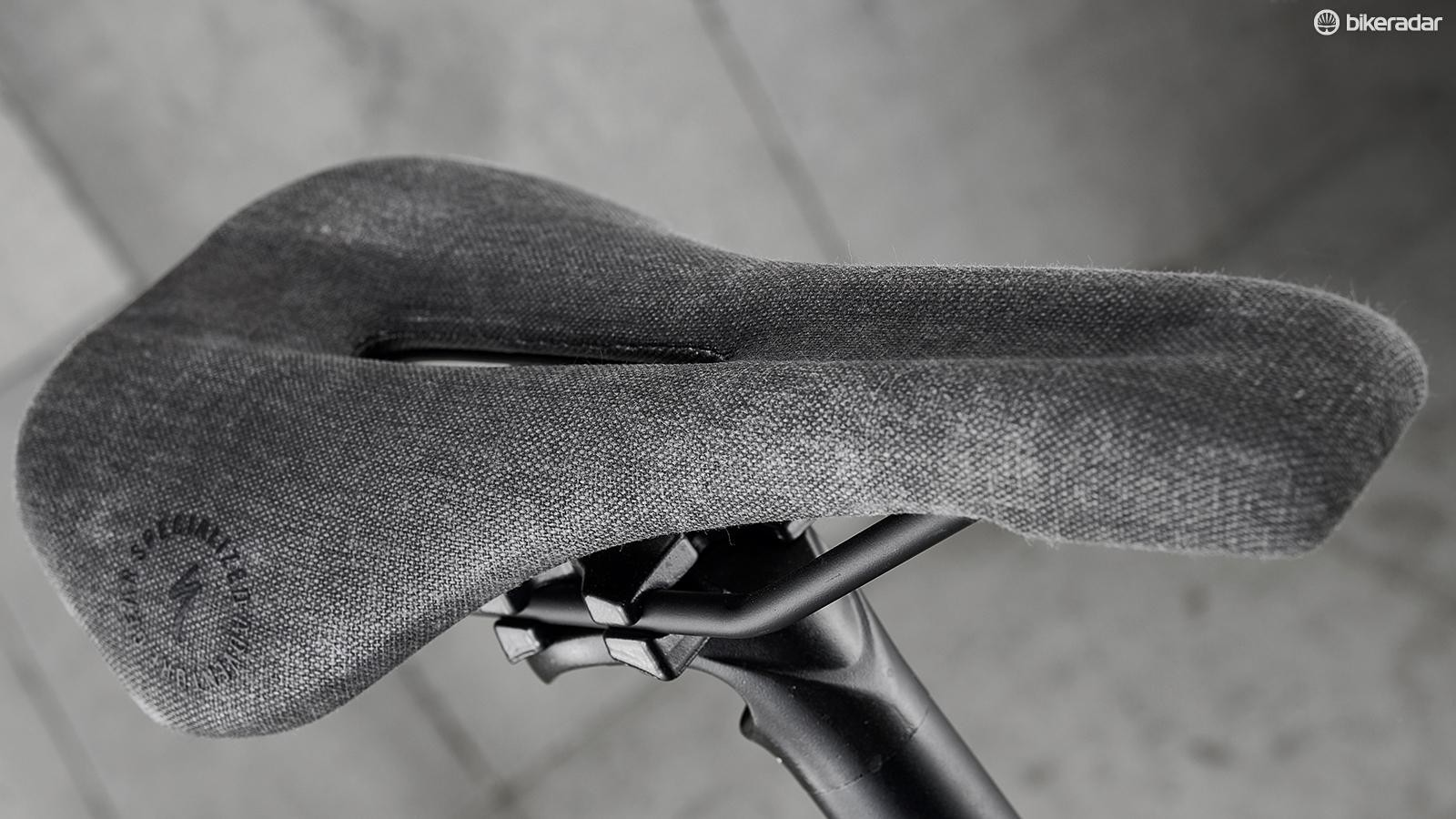 The Anza saddle's material finish stops you sliding around