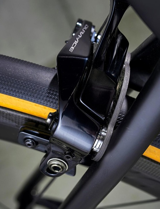 Braking is taken care of by Shimano's latest Dura-Ace direct mount offerings