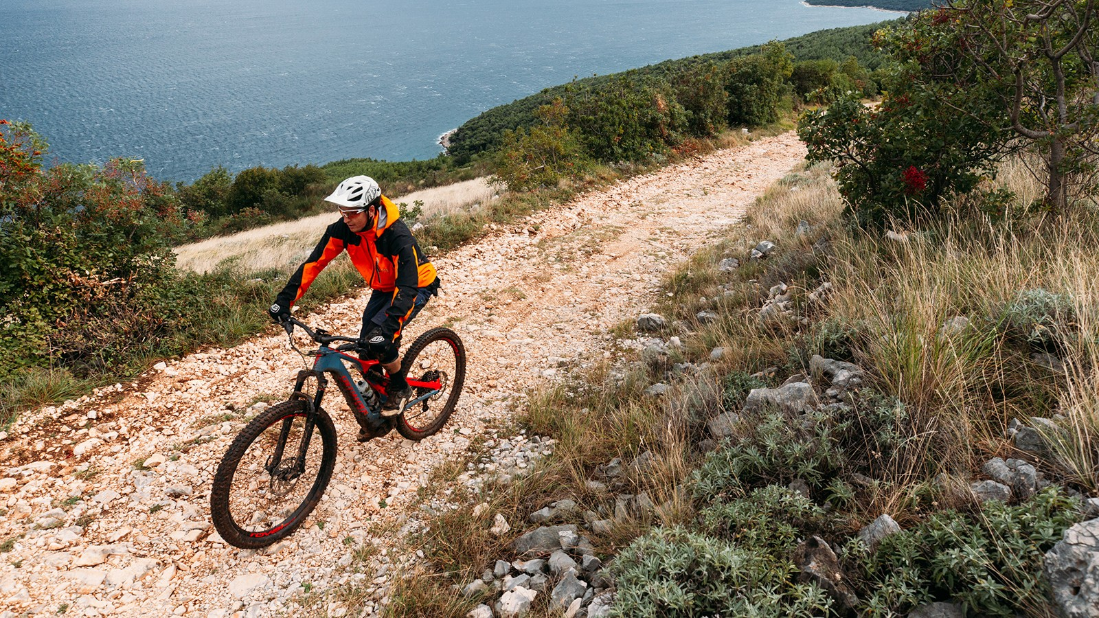 The new 2.1 motor provides plenty of power even in Eco mode to get you up rough, loose gravel climbs