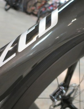 By losing the fork crown mounted brake the ViAS Disc looks smoother and cleaner than ever