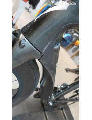 Another look at the disc fork hose option