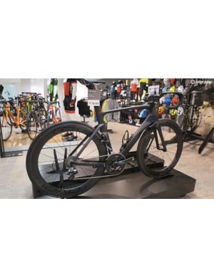 The Venge ViAS Pro with mechanical Dura-Ace groupset looks suitably stealthy in this satin black finish