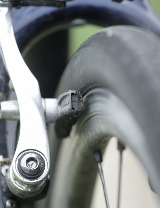 Tektro 3D calliper brakes proved powerful stoppers, although our pads wore quickly in the wet
