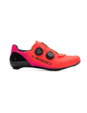 The 'Acid Lava' colourway is available down to a size 36, as Specialized believes this one will be popular with women