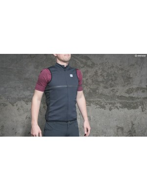 The thin band around the chest of the vest in grey matches all other aspects of the range