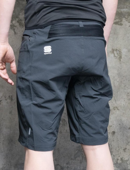 A look at the rear of the Giara over shorts