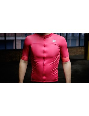 Sportful's BodyFit Pro Classics jersey has a flap over the zip for some extra weather protection