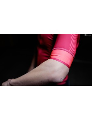 The BodyFit Pro Classics jersey has silicone grippers on the inside of the sleeves to prevent riding up when worn with arm warmers