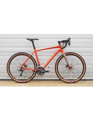 The plain Levarg is more conventional, and costs £1,099.99 with Shimano Sora and TRP Spyre mechanical disc brakes