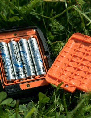 Four Lithium Ion AAA batteries mean a long service life and easy replacement in the field