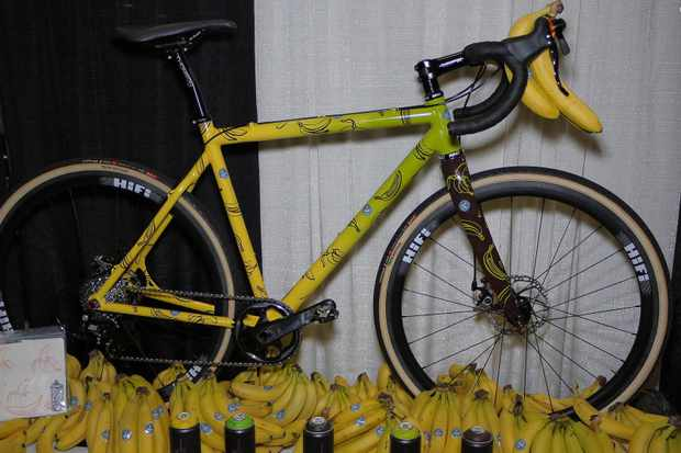 Who likes bananas? The Gevenalle and HiFi folks sure do. They showed off a Squid cross bike painted with a Chiquita theme