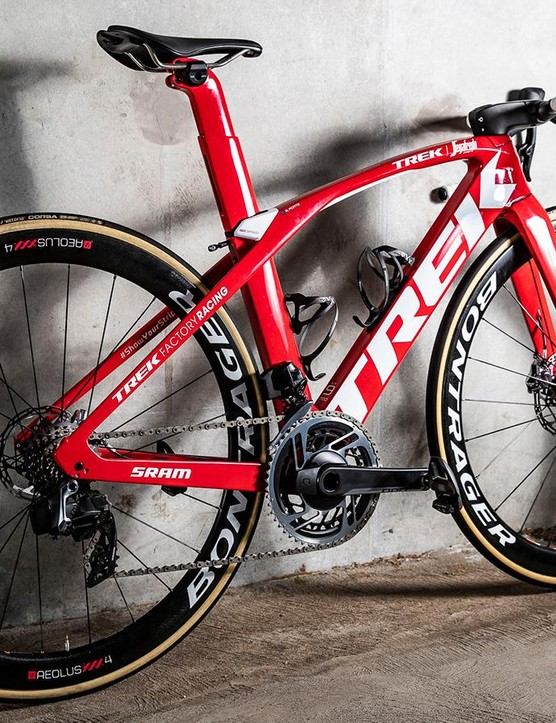 Porte paired his aero-specific Trek Madone frameset with Bontrager XXX Aeolus 4 wheels