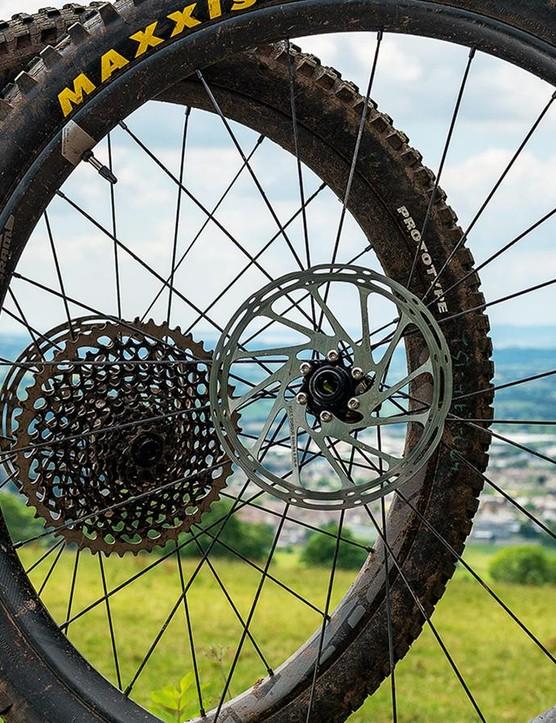 SRAM's ROAM 60 wheelset