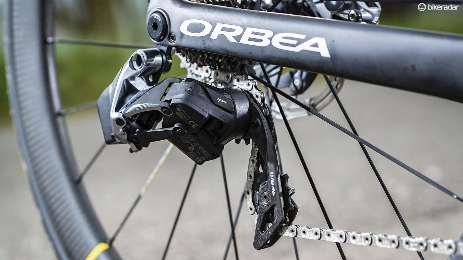 The new rear mech uses the exiting eTap battery as does the front mech