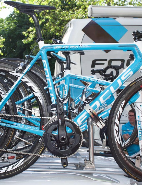 AG2R's French climber Roman Bardet has a pair of Focus Izalco Maxes to choose from, one with SRAM's Red eTap groupset (seen here) and another with mechanical gears