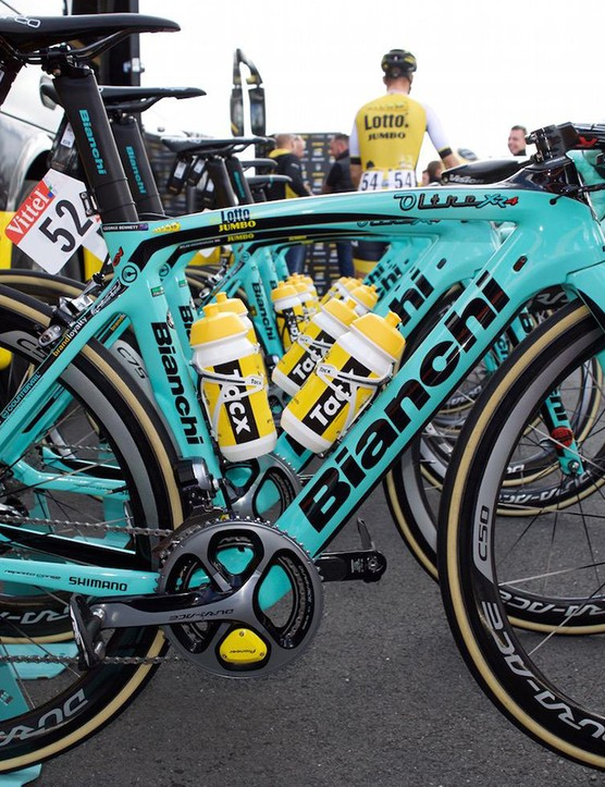 New Zealand's George Bennett rode Bianchi's new Oltre XR4 in this year's Tour de France. The Kiwi donated his front wheel to his Lotto-Jumbo team leader Wilko Kelderman on stage 8 when the Dutchman's tubular came unstuck on a descent