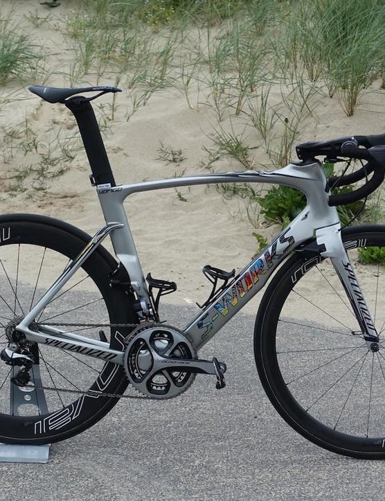 A custom metallic-finish paintjob for Etixx-QuickStep's German sprint powerhouse Marcel Kittel's Specialized's Venge ViAS