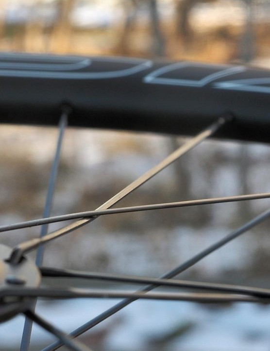 Sapim CX-Ray bladed stainless steel spokes are used all around