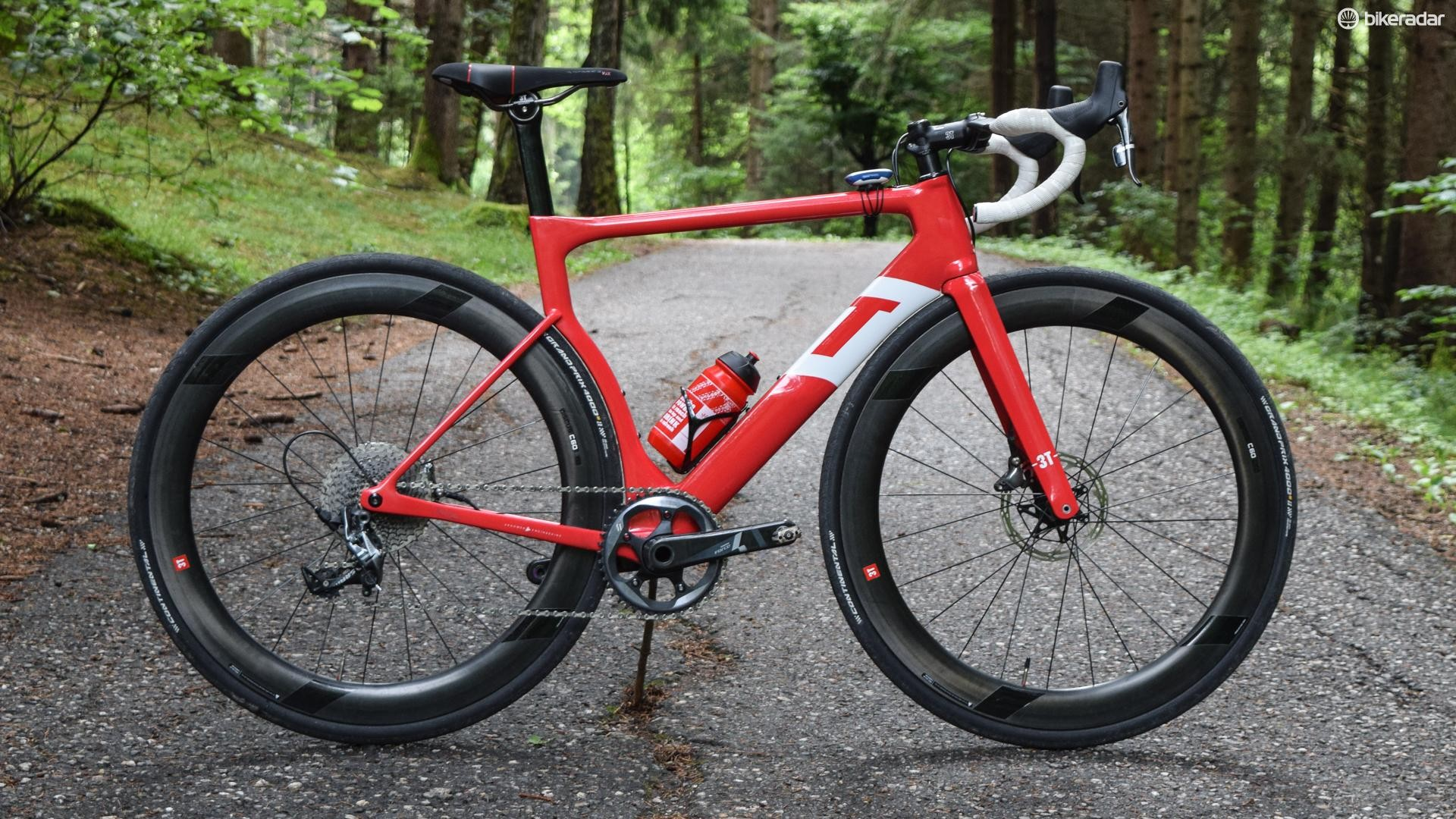 3T took full advantage of a 1x drivetrain with the new, slightly quirky, Strada
