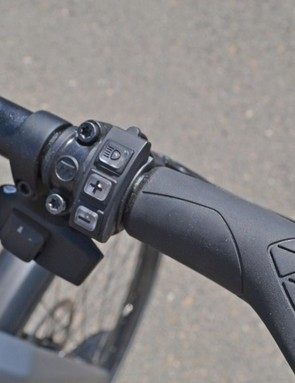 Change gear and turn on the 1,600-lumen headlight with the touch of a button