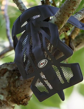 The Gun Wind comes with a second set of pads which offers bug netting