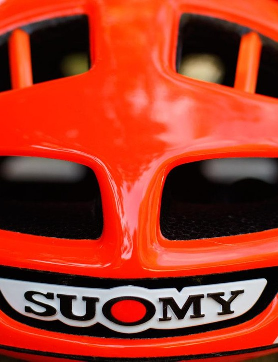 Hiding behind the Suomy 'head badge' is a vent that leads straight onto the brow pad