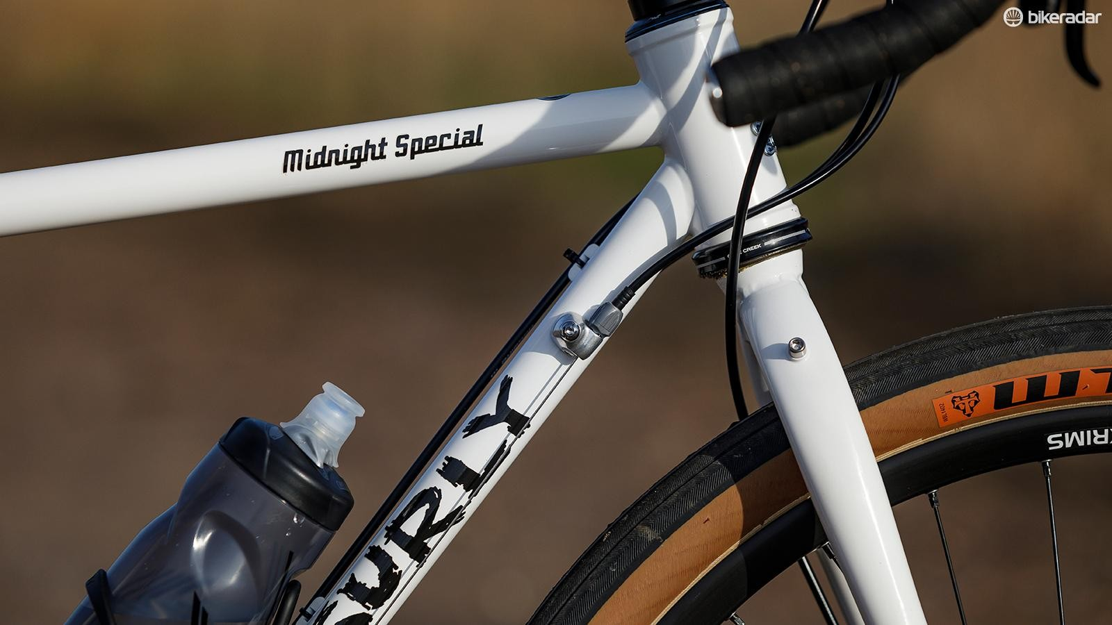A 44mm head tube for tapered fork fitment