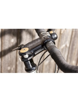 The Salsa Cowchipper bar and Thomson stem offer great control, whether on the hoods or down in the drops