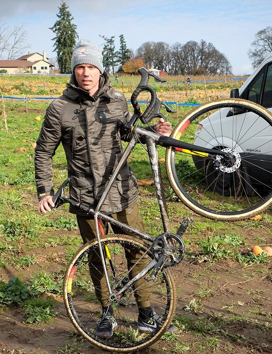 Sven Nys with his custom-painted Trek Crockett SS