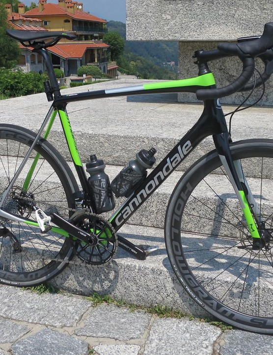 My test bike was a mash up between the Dura-Ace Di2 model and the eTap