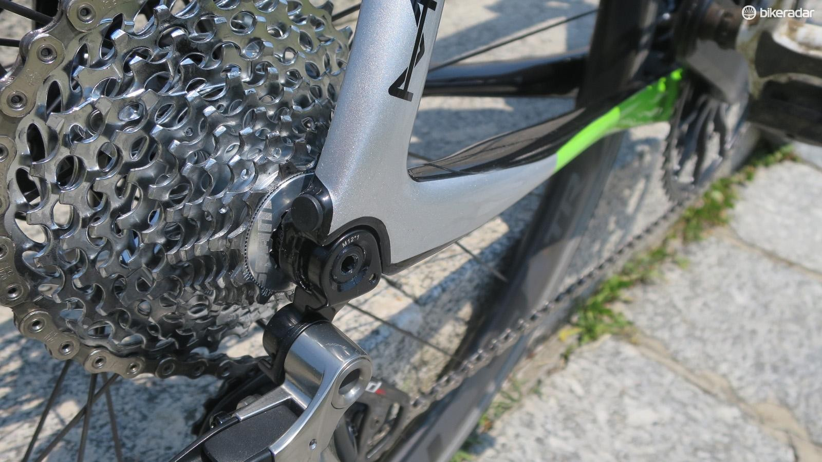 The rear mech hanger is a burly CNC'd aluminium unit borrowed from Cannondale's Beast of the East mountain bike