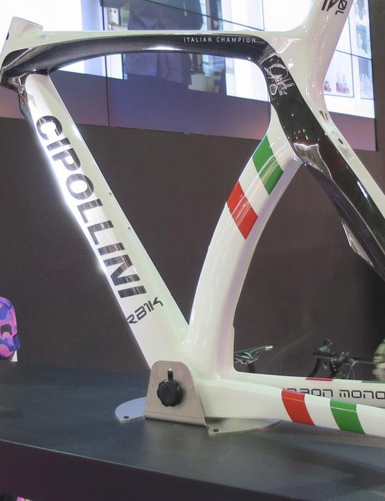 Cipolini's RB1000 in Italian champions livery
