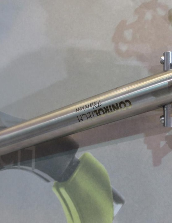 …and this nicely machined seatpost…