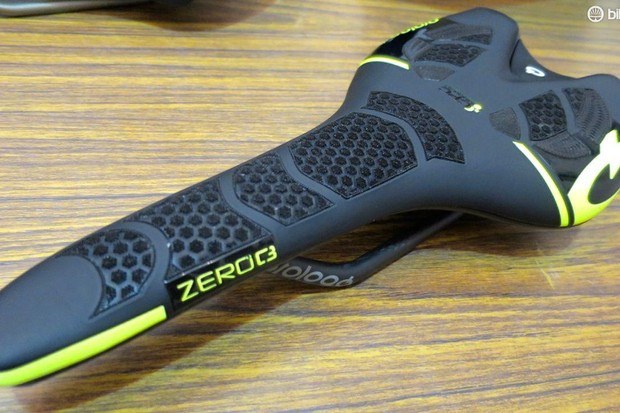 The prototype ZeroC3 saddle with the latest CPC texturing. If you wacth the Spring Classics closely you may be able to spot Tinkoff riders using this