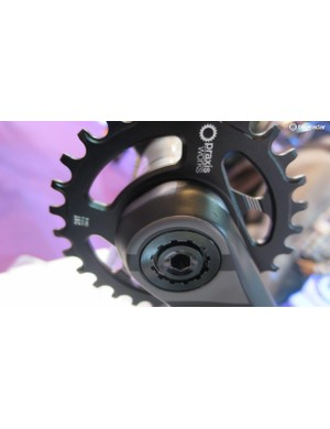 It features a 3 bolt splined direct mount system so it can be easily switched between single ring and double duties