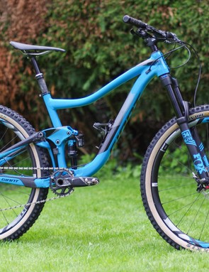 I recently put tan-wall Maxxis Minion DHFs on my Giant Trance long-termer and I think it looks fabulous