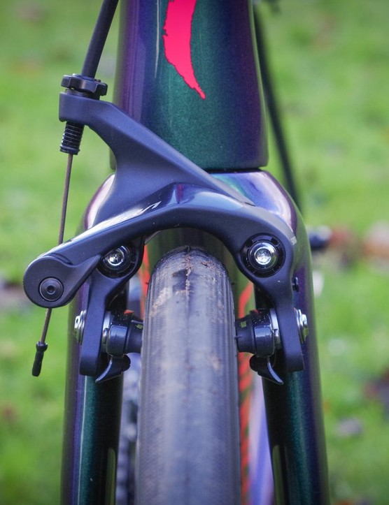 The direct-mount brakes offer plenty of clearance
