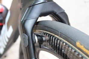 The braking surface is the same as the rest of the front tri-spoke rim - but braking isn't the point for TTs