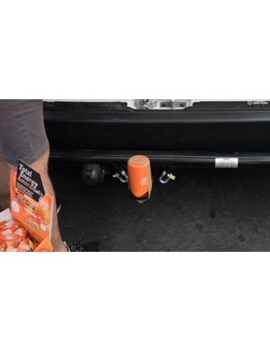 Bumping into a greasy towbar is just as annoying for mechanics as it is in day-to-day life